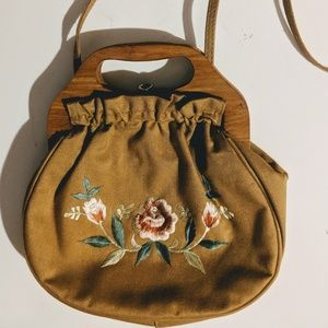 Vintage Floral Embroidered Shoulder Bag